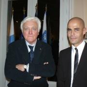L'universitaire israélien, ancien ambassadeur d'Israël en France, Eli Barnavi et le directeur de l'Institut, Michaël Iancu en 2009