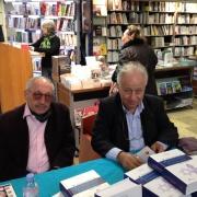 Les universitaires, journalistes et écrivains Jean Leselbaum et Antoine Spire (avec la Librairie Sauramps) en 2014