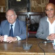 Le president du CRIF Richard Prasquier et le directeur de l'Institut Maïmonide Michaël Iancu en 2012
