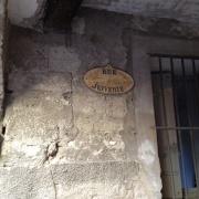 Rue Juiverie dans le Quartier juif médiéval de Pézenas