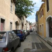 Posquières, partie de l'actuelle Vauvert, était « une grande ville avec quarante Juifs et une grande école talmudique », selon le voyageur ibérique Benjamin de Tudèle (XIIe s.)