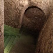 Arche et nappe d'eau du Mikvé médiéval