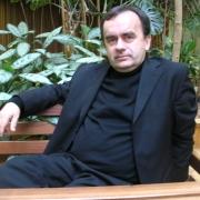 Le Père Patrick Desbois en 2000, 2002 et 2005