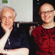 Le compositeur Pierre Boulez et Philippe Olivier-Achard, chercheur et écrivain, ce dernier reçu par l'Institut en 2017